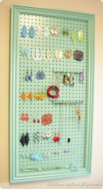 DIY Earring Holder {$20 Gift Idea}