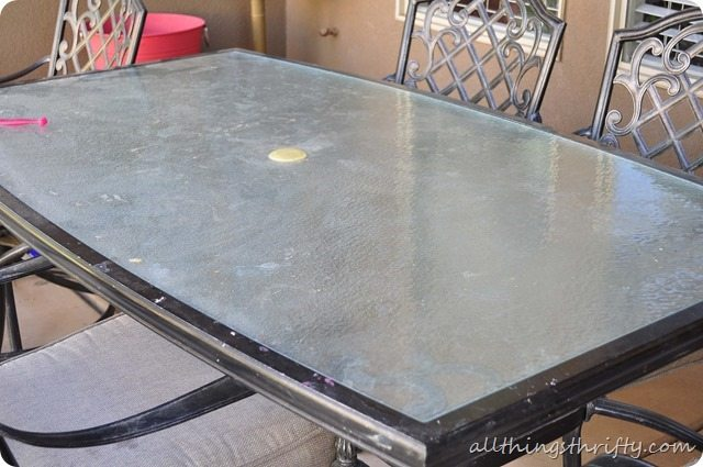 dirty-patio-table