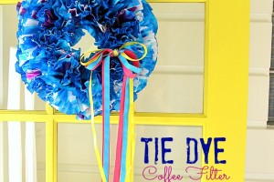 How to make Tie Dye Summer Wreath {from Jen at Tatertots & Jello}