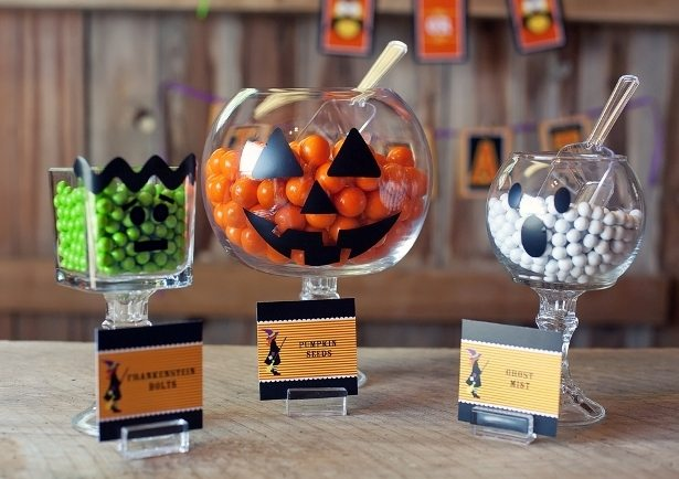 The-Celebration-Shoppe-DIY-Halloween-Pedestal-Jars