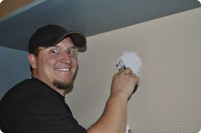 how-to-plaster-a-hole-in-the-wall