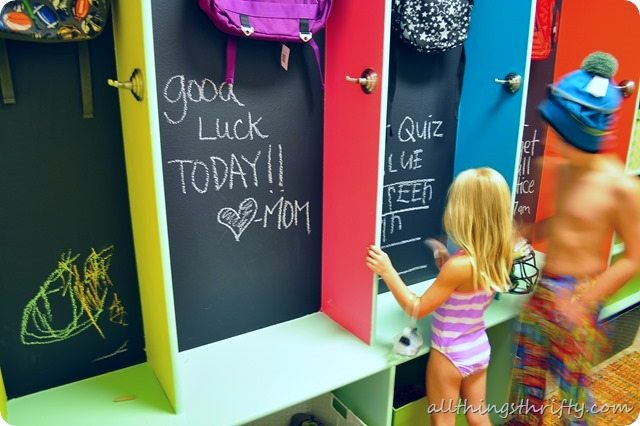chalkboard-paint-in-laundry-room