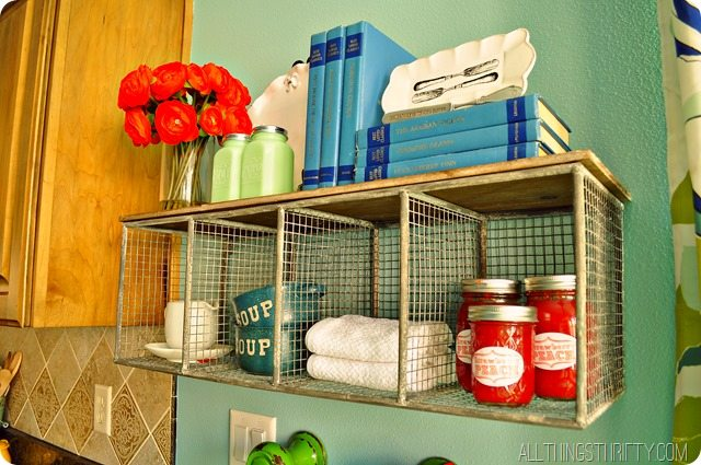 kitchen-shelf-decor