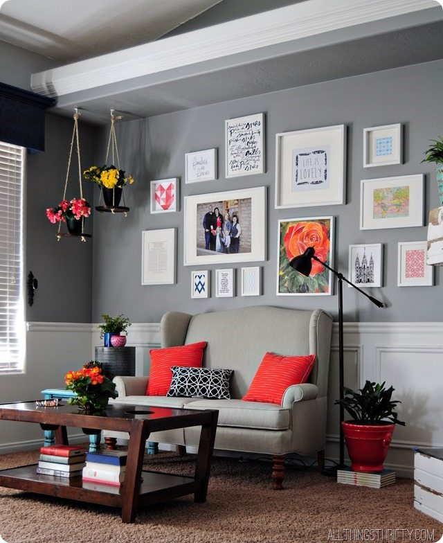 grey-walls-coral-accents
