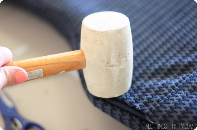 how-to-finish-the-sides-of-an-upholstered-chair-with-ply-grip (1)