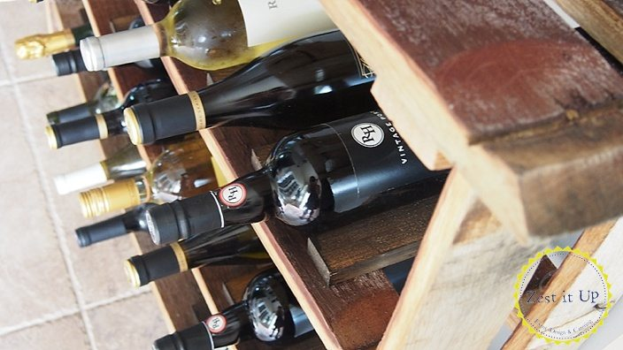 Wine_barrel_stave_wine_rack_0078