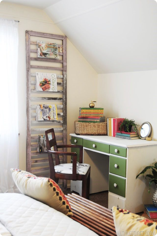 magazine-rack-green-desk-1