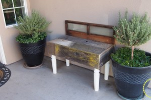 diy_rustic_window_and_wood_bench_0427