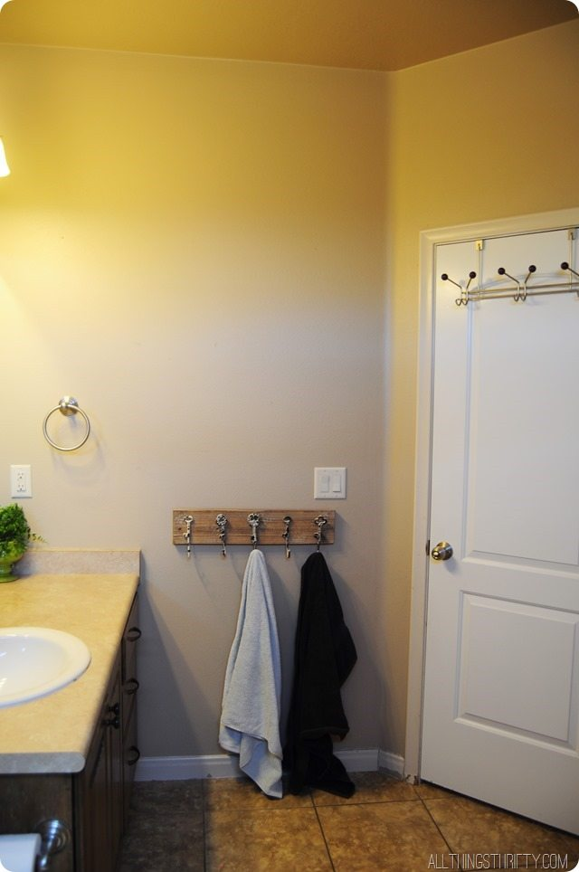 Bathroom-Before-1.jpg