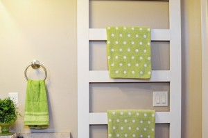 DIY-ladder-towel-rack-17.jpg