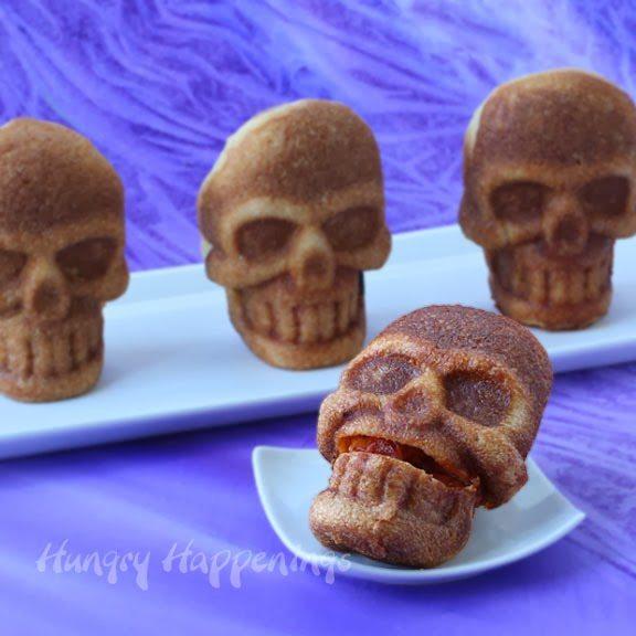 stuffed-pizza-skulls-for-Halloween-dinner-hungryhappenings