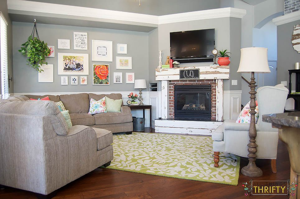 Coral and Green Living Room Decor (3 of 35)