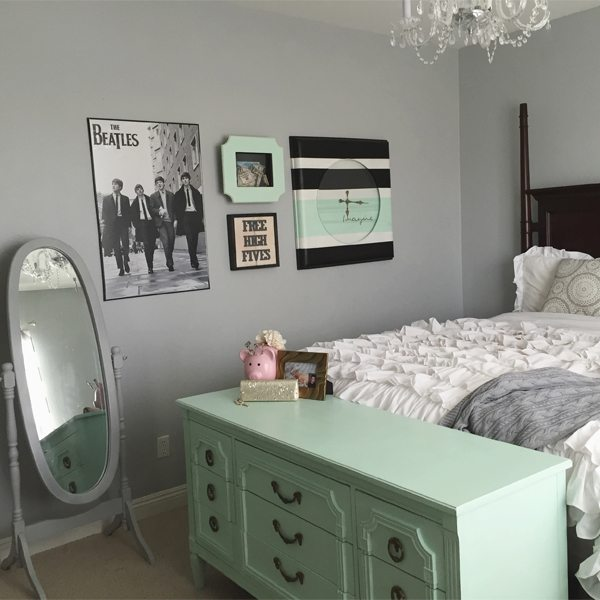 """New and Sophisticated """"Beatles"""" Room"""