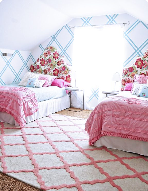Pink and Turquoise Tween room