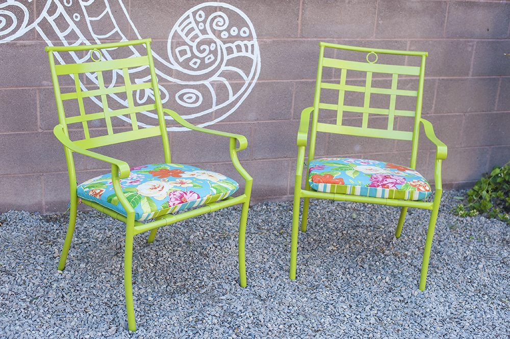 How to paint outdoor chairs with spray paint Spray painting metal patio furniture