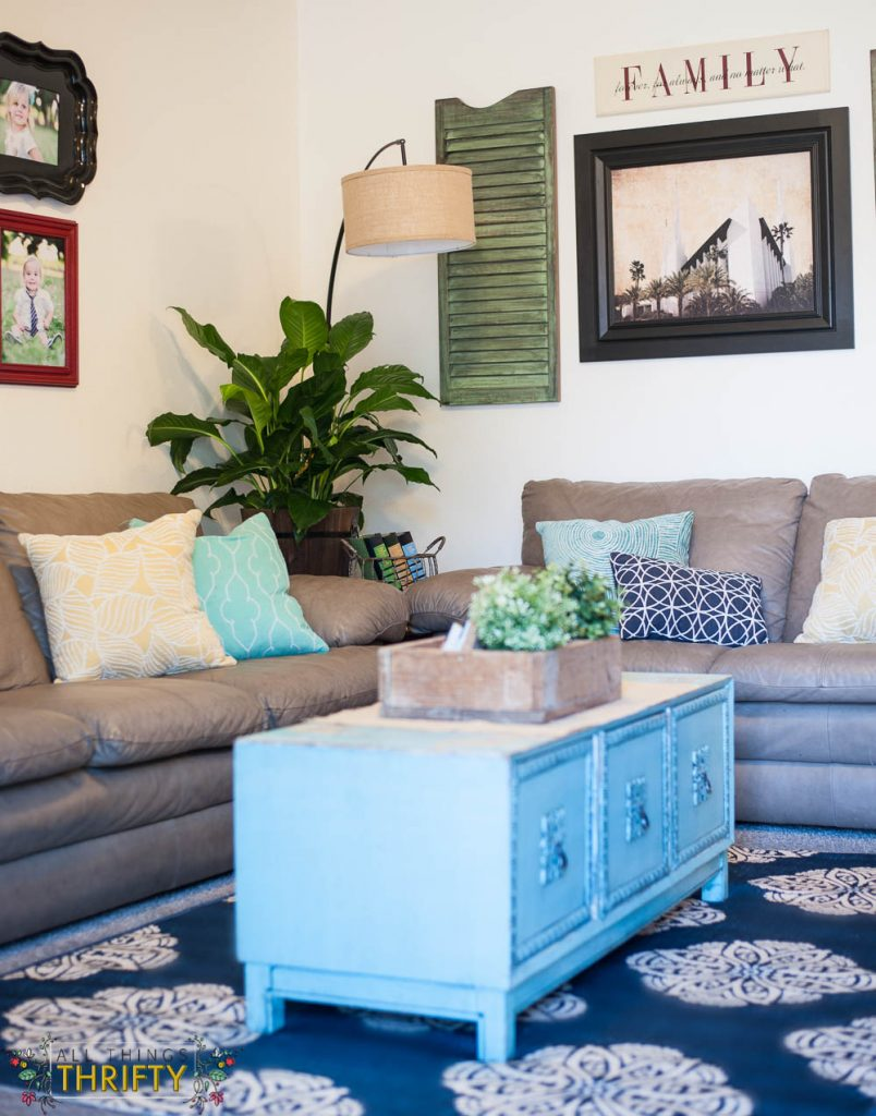 Navy, Turquoise, and Green Living Room Decor