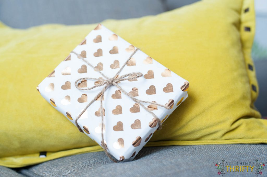 diy-Gold-Foil-wrapping-paper
