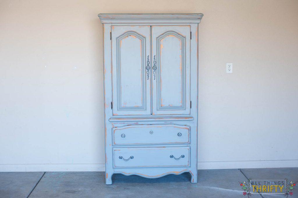 Distressed and Antiqued Furniture tutorial