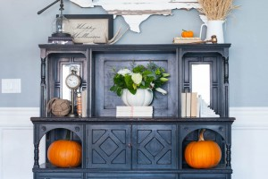 Fall Decorating Ideas with pumpkins and corn tassles