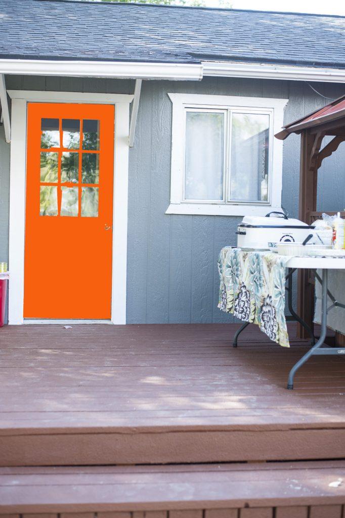 orange nat door