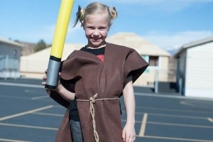 How to make a Jedi Padawan Costume No sew DIY Instructions