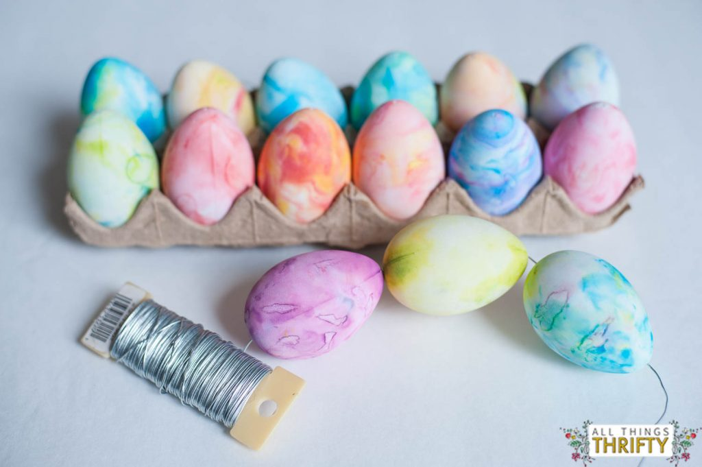 How to make a Marble Easter Egg Wreath