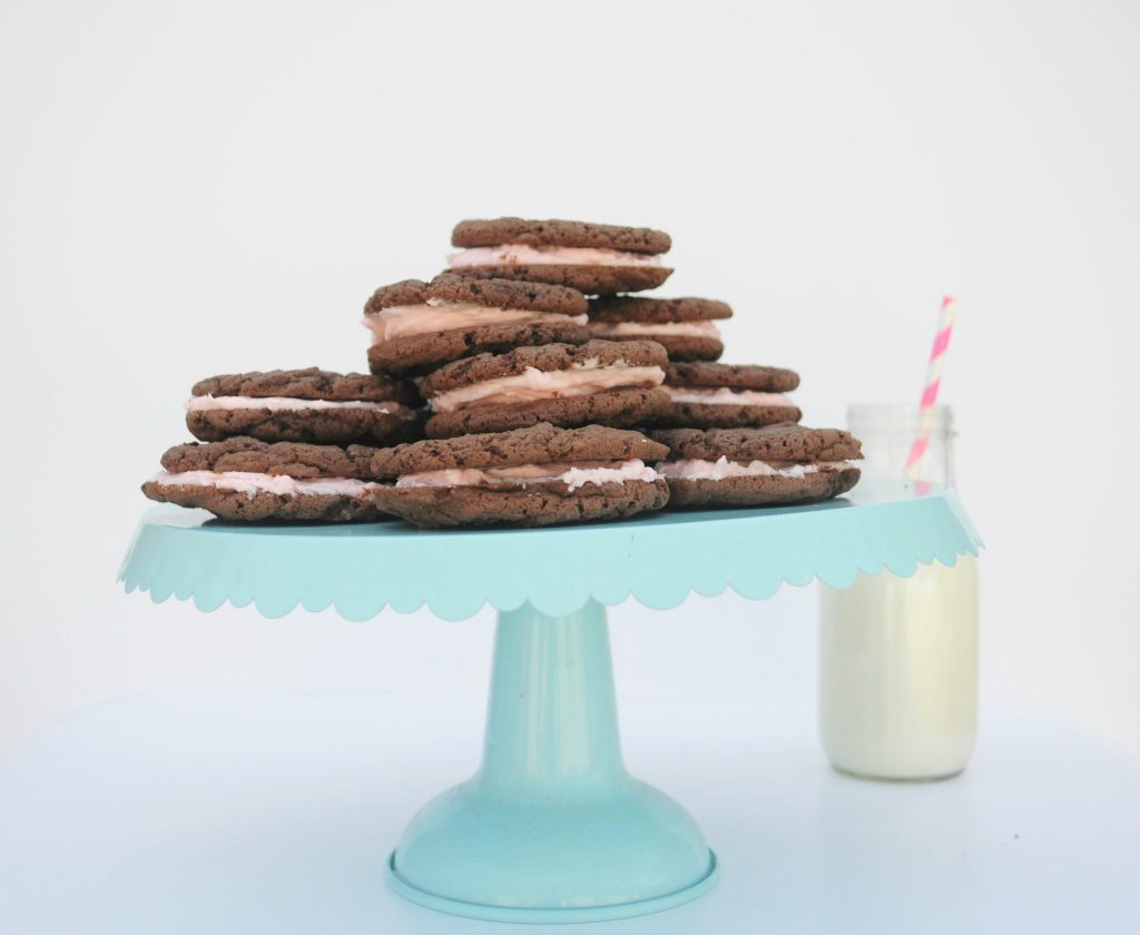 Homemade Oreo Cookies With Devil S Food Cake Mix