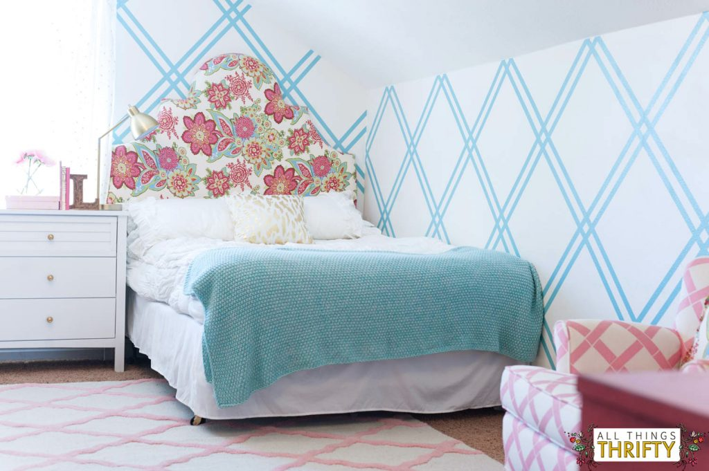 Girls tween bedroom makeover gold turquoise magenta for Turquoise and pink bedroom