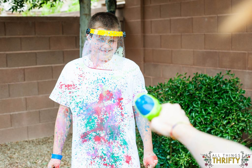 Kids Messy Craft Ideas Painting T-shirts with squirt guns-17
