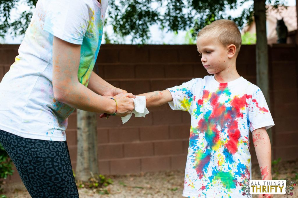 Kids Messy Craft Ideas Painting T-shirts with squirt guns-22