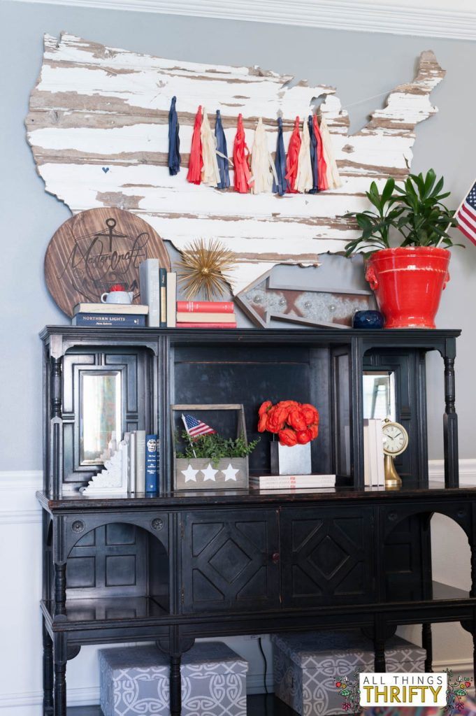 Red, White, and Blue Patriotic Decor Ideas-1