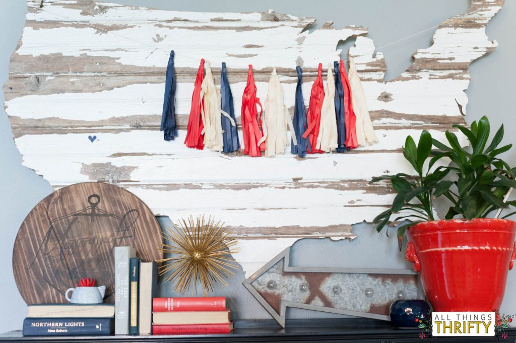 Red, White, and Blue Patriotic Decor Ideas-12