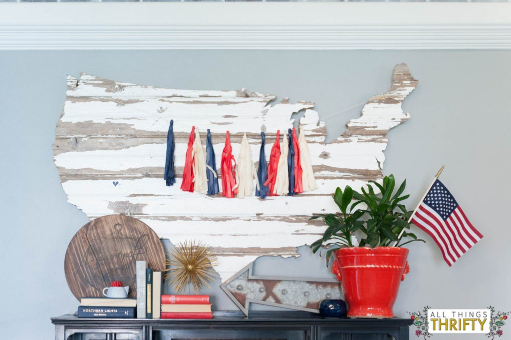 Red, White, and Blue Patriotic Decor Ideas-13