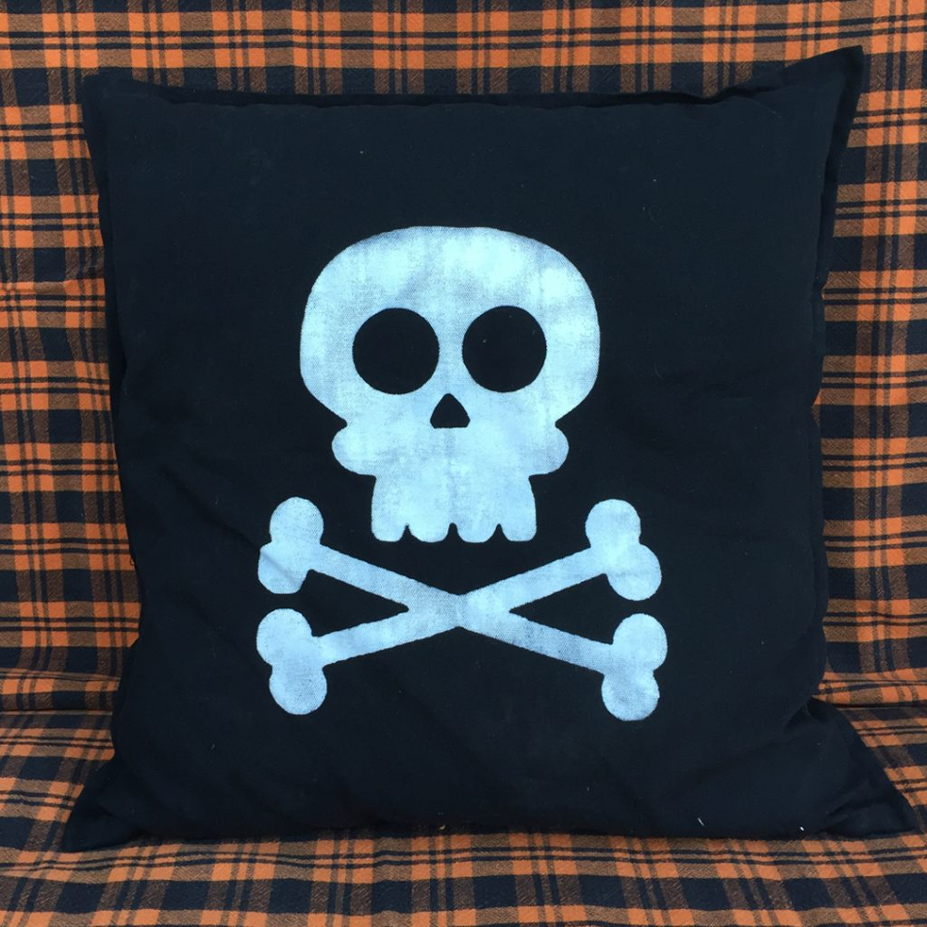 att-halloween-pillows-9