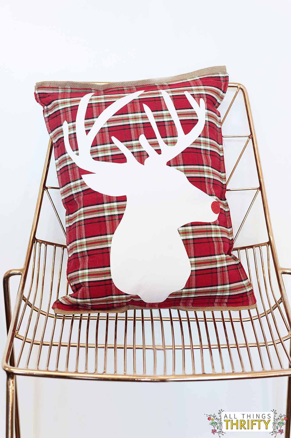 Adorable Diy Plaid And Burlap Christmas Pillow All Things Thrifty