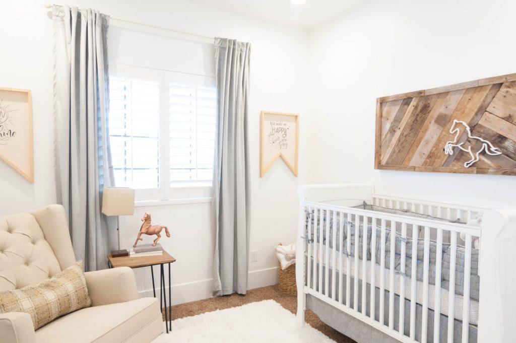 Neutral And Natural Baby Nursery Roo Decor Ideas 12