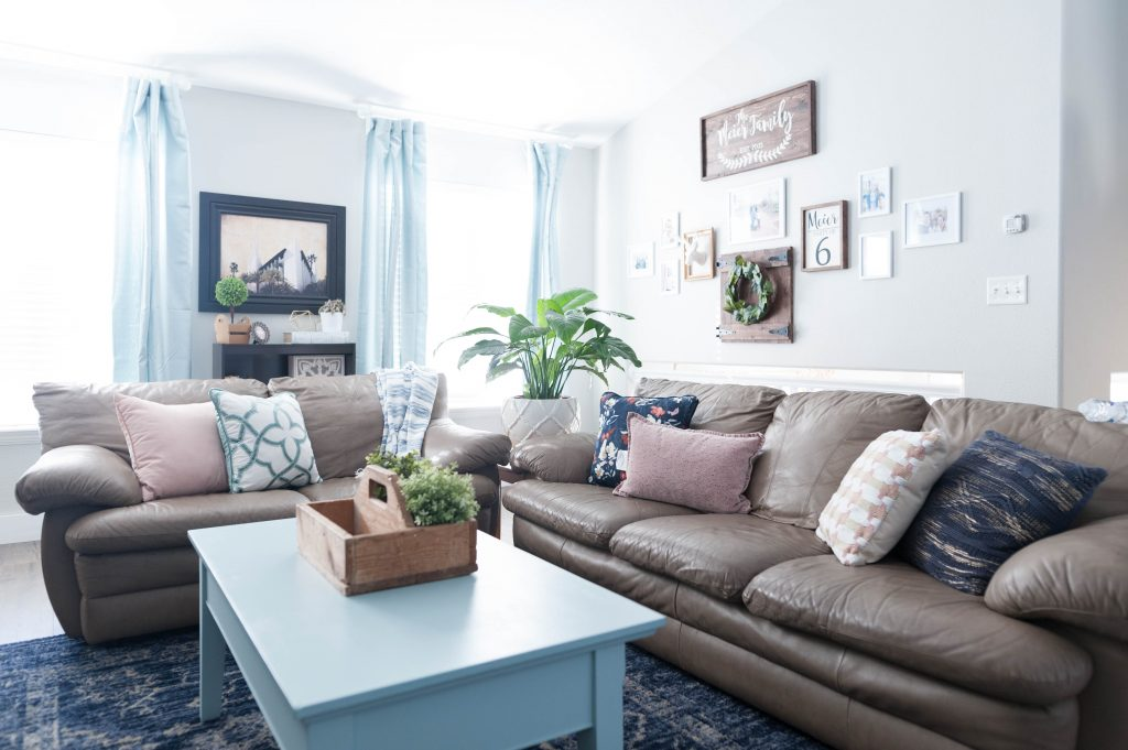 Pink, navy blue, and aqua living room decor-14