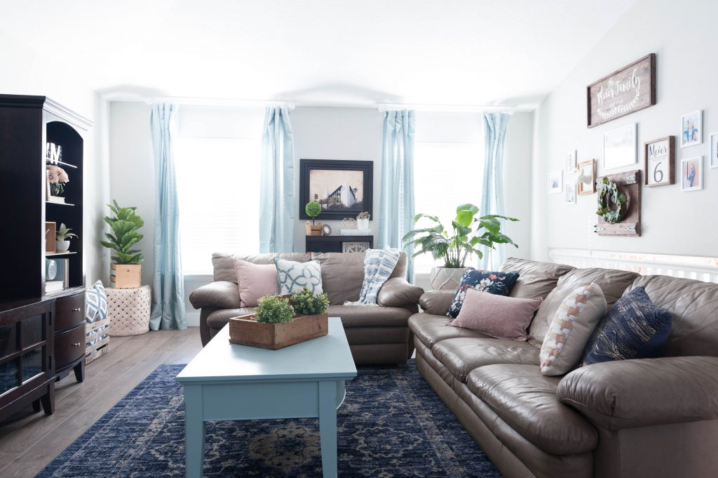 Pink navy blue and jade family room decor reveal jo s house for Living room ideas navy