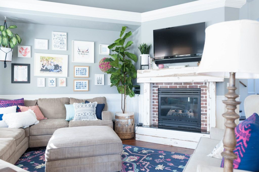 Navy, Pink, and Gray Living Room Decor Ideas-2